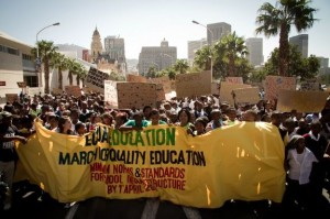 20 000 learners, parents, community members and activists march on Parliament with Equal Education for a Quality Education.