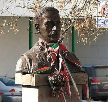 A bust of Jozsef Nyiro in his native Odorheiu Secuiesc (Szekelyudvarhely), Romania. Photo by Gombabandi/Wikimedia Commons.