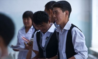 Kyrgyzstani lawmakers demand action on underpaid teachers