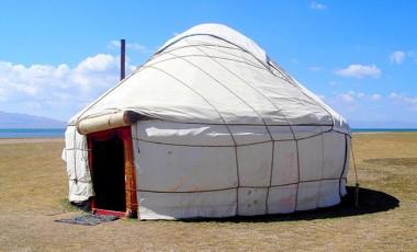 Kyrgyzstan: Yurt preschools reach nomadic children